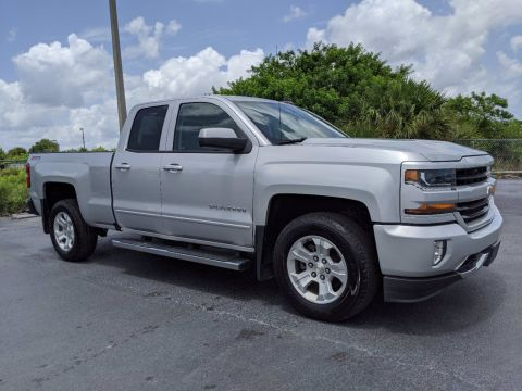 Pre-Owned 2017 Chevrolet Silverado 1500 LT 4WD Extended Cab Pickup